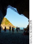 Купить «Cave with the beach in the end in Vernazza», фото № 32020378, снято 2 июля 2019 г. (c) Роман Сигаев / Фотобанк Лори