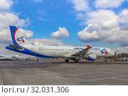 Купить «Самолет Airbus 321 («Аэробус А321») авиакомпании «Уральские авиалинии» (бортовой номер VQ-BOZ), аварийно севший в поле в Подмосковье 15 августа 2019 года», фото № 32031306, снято 7 апреля 2019 г. (c) Владимир Сергеев / Фотобанк Лори