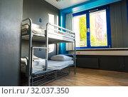 Купить «Hostel interior, metal bunk beds and linen, nobody», фото № 32037350, снято 29 апреля 2019 г. (c) Tryapitsyn Sergiy / Фотобанк Лори