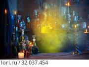 magic porion in beautiful glass bottle. Стоковое фото, фотограф Майя Крученкова / Фотобанк Лори