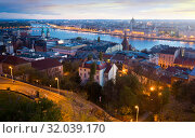 Night view of Budapest cityscape with Danube river, Hungary (2017 год). Стоковое фото, фотограф Яков Филимонов / Фотобанк Лори