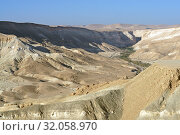 Beautiful landscape of Ein Avdat and Zin Valley. Negev, desert and semidesert region of southern Israel. Hot summer 2019. Стоковое фото, фотограф Валерия Попова / Фотобанк Лори
