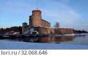Купить «Старинная крепость Олавинлинна в мартовских сумерках (таймлапс). Савонлинна, Финляндия», видеоролик № 32068646, снято 3 марта 2018 г. (c) Виктор Карасев / Фотобанк Лори