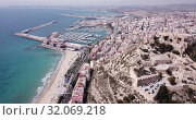 Купить «Picturesque panorama of coastal area of Spanish town of Alicante overlooking of Port», видеоролик № 32069218, снято 17 апреля 2019 г. (c) Яков Филимонов / Фотобанк Лори