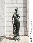 Купить «Статуя Джульетты. Мюнхен. Бавария. Германия», фото № 32073262, снято 19 июня 2019 г. (c) E. O. / Фотобанк Лори