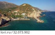 Aerial video of cretan village Almirida and Mediterannean sea. Crete, Greece (2019 год). Стоковое видео, видеограф Serg Zastavkin / Фотобанк Лори