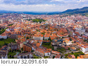 Aerial view of Oviedo city with buildings and lanscape, Asturias (2019 год). Стоковое фото, фотограф Яков Филимонов / Фотобанк Лори