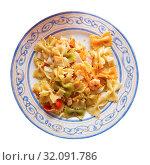 Купить «Close up of tasty warm pasta with seafood at plate on table», фото № 32091786, снято 25 мая 2020 г. (c) Яков Филимонов / Фотобанк Лори