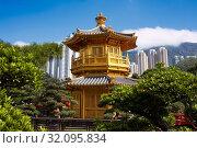 Pavilion of Absolute Perfection in Nan Lian Garden, Chinese Classical Garden. Diamond Hill, Kowloon, Hong Kong, China. Стоковое фото, фотограф Leonid Serebrennikov / age Fotostock / Фотобанк Лори
