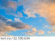 Купить «Небесный закатный пейзаж. Голубое небо. Sunset sky background - picturesque colorful clouds lit by sunlight, picturesque sky view», фото № 32100634, снято 14 июня 2018 г. (c) Зезелина Марина / Фотобанк Лори