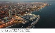 Купить «View from drones of coast in Barcelona and center with building», видеоролик № 32105122, снято 25 декабря 2018 г. (c) Яков Филимонов / Фотобанк Лори