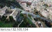 Купить «Day view of historic part of Estella-Lizarra. Spain», видеоролик № 32105134, снято 20 декабря 2018 г. (c) Яков Филимонов / Фотобанк Лори