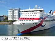 Passenger ferry  Baltic Queen of  Tallink company in Stockholm port (2018 год). Редакционное фото, фотограф Светлана Колобова / Фотобанк Лори