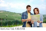 Купить «happy couple of tourists with map and camera», фото № 32130518, снято 17 марта 2019 г. (c) Syda Productions / Фотобанк Лори