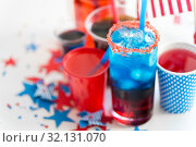Купить «drinks on american independence day party», фото № 32131070, снято 28 мая 2015 г. (c) Syda Productions / Фотобанк Лори