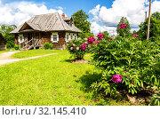 Купить «Museum homestead of Alexander Suvorov near Borovichi», фото № 32145410, снято 22 июля 2017 г. (c) FotograFF / Фотобанк Лори
