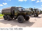 Купить «Green russian military truck Ural 4320», фото № 32145886, снято 18 мая 2019 г. (c) FotograFF / Фотобанк Лори