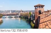 Travel to Italy - view of Verona city with castelvecchio castle and Adige river in spring. Стоковое фото, фотограф Zoonar.com/Valery Voennyy / easy Fotostock / Фотобанк Лори