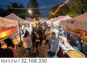The Nightmarket and marketstreet in of the city Buri Ram in Isan in Northeast thailand. Thailand, Buriram, November, 2017. Стоковое фото, фотограф Zoonar.com/URS FLUEELER / age Fotostock / Фотобанк Лори