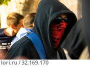 Купить «September 11, 2019 - Manifestation against the catalan politicians in fron of the Catalonia Parliament in Barcelona.», фото № 32169170, снято 11 сентября 2019 г. (c) age Fotostock / Фотобанк Лори
