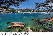 Hillside touristic resort town of Andratx, Majorca Island, Baleares, Spain (2019 год). Стоковое фото, фотограф Alexander Tihonovs / Фотобанк Лори