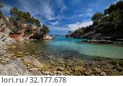 Picturesque beach Calo de ses Llises, Calvia, Mallorca Island, Baleares, Spain (2019 год). Стоковое фото, фотограф Alexander Tihonovs / Фотобанк Лори