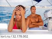 Offended woma with husband on sailboat. Стоковое фото, фотограф Яков Филимонов / Фотобанк Лори