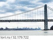 Купить «George Washington Bridge in New York and Manhattan», фото № 32179722, снято 17 апреля 2018 г. (c) Сергей Новиков / Фотобанк Лори