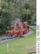 Купить «Крестный ход из Ильинского в Усово», эксклюзивное фото № 32180050, снято 15 сентября 2019 г. (c) Дмитрий Неумоин / Фотобанк Лори