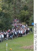 Купить «Крестный ход из Ильинского в Усово», эксклюзивное фото № 32180054, снято 15 сентября 2019 г. (c) Дмитрий Неумоин / Фотобанк Лори
