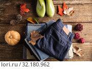 Купить «Autumn flat lay with clothes», фото № 32180962, снято 13 августа 2019 г. (c) Wavebreak Media / Фотобанк Лори