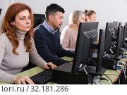 Купить «Elderly people attending pc class», фото № 32181286, снято 20 февраля 2019 г. (c) Яков Филимонов / Фотобанк Лори