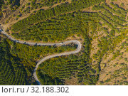 Aerial view of serpentine road in green mountains, Crimea. Стоковое фото, фотограф Кирилл Трифонов / Фотобанк Лори
