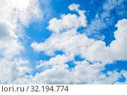 Купить «Небесный пейзаж. Синее небо.Blue sky background. Picturesque colorful clouds lit by sunlight. Picturesque sky view in vivid tones», фото № 32194774, снято 3 июля 2018 г. (c) Зезелина Марина / Фотобанк Лори