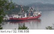Купить «Ледокольно-транспортное судно «Севморпуть» — лихтеровоз с атомной силовой установкой. Time lapse», видеоролик № 32198938, снято 27 августа 2019 г. (c) А. А. Пирагис / Фотобанк Лори