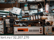Купить «Old electrical testing tools in laboratory, nobody», фото № 32207270, снято 17 июня 2019 г. (c) Tryapitsyn Sergiy / Фотобанк Лори