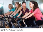 Females cycling in sport club. Стоковое фото, фотограф Яков Филимонов / Фотобанк Лори