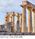 Купить «Columns of temple of Aphaea in Aegina Island», фото № 32218298, снято 13 сентября 2019 г. (c) Роман Сигаев / Фотобанк Лори