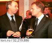 2002. Pictured: Donald Tusk, Janusz Lewandowski. Редакционное фото, фотограф jackowski henryk / age Fotostock / Фотобанк Лори