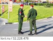 Russian military police soldier in uniform (2019 год). Редакционное фото, фотограф FotograFF / Фотобанк Лори