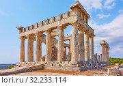 Купить «Ancient ruins of Temple of Aphaea in Aegina Island», фото № 32233114, снято 13 сентября 2019 г. (c) Роман Сигаев / Фотобанк Лори