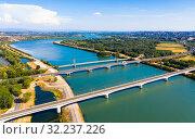 Bridges across Rhone near Roquemaure, France (2019 год). Стоковое фото, фотограф Яков Филимонов / Фотобанк Лори