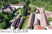 Купить «Panoramic view from drone of the Bistra castle in Vrhnika. Slovenia», видеоролик № 32251678, снято 4 сентября 2019 г. (c) Яков Филимонов / Фотобанк Лори