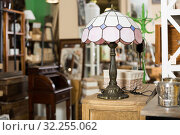 Купить «Old furniture in secondhand shop», фото № 32255062, снято 9 ноября 2017 г. (c) Яков Филимонов / Фотобанк Лори