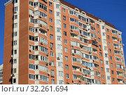 Семнадцатиэтажный двухподъездный панельный жилой дом серии П-44Т (построен в 2001 году). Улица Полины Осипенко, 20, корпус 1. Хорошевский район. Город Москва (2015 год). Редакционное фото, фотограф lana1501 / Фотобанк Лори