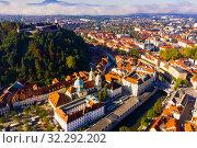 Aerial view of Ljubljana with castle, Slovenia (2019 год). Стоковое фото, фотограф Яков Филимонов / Фотобанк Лори