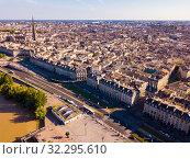 Day aerial cityscape of Bordeaux (2019 год). Стоковое фото, фотограф Яков Филимонов / Фотобанк Лори