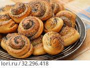Купить «Домашняя выпечка. Булочки с маком и сахаром», эксклюзивное фото № 32296418, снято 10 февраля 2019 г. (c) Dmitry29 / Фотобанк Лори