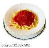 Trofie al pomodoro - spaghetti with tomato sauce. Italian cuisine. Стоковое фото, фотограф Яков Филимонов / Фотобанк Лори
