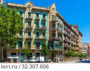 Купить «Eixample district - most beautiful area of Barcelona. Spain», фото № 32307606, снято 28 июля 2019 г. (c) Яков Филимонов / Фотобанк Лори